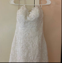 Load image into Gallery viewer, Maggie Sottero 'Marianne ' wedding dress size-08 PREOWNED