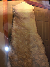 Load image into Gallery viewer, Galina 'Galina Signature Strapless Taffeta' wedding dress size-20 PREOWNED