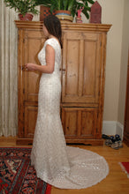 Load image into Gallery viewer, Augusta Jones 'Jan' size 10 used wedding dress side view on bride