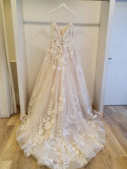 JUSTIN ALEXANDER 'Tulle and Lace Ball Gown with Chapel Length Train' wedding dress size-16 NEW