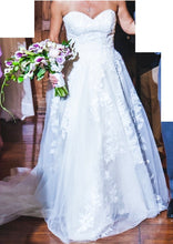 Load image into Gallery viewer, Priscilla of Boston 'Galina Signature' wedding dress size-06 PREOWNED