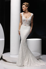 Simone Carvalli '90247' size 2 new wedding dress front view on model