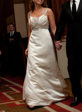 Load image into Gallery viewer, Kenneth Pool 'Promise' size 6 used wedding dress front view on bride