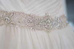 Allure '9065' size 4 used wedding dress front view of belt