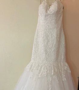 Maggie Sottero 'Marianne ' wedding dress size-08 PREOWNED