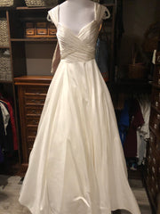 Anne Barge 'Berkeley' size 6 used wedding dress front view on mannequin