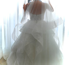 Load image into Gallery viewer, Monique Lhuillier 'Sofia' size 6 used wedding dress back view on bride