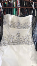 Load image into Gallery viewer, Rivini 'Lima' size 4 new wedding dress front view on hanger