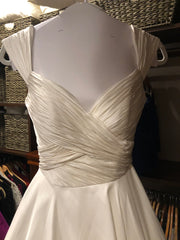 Anne Barge 'Berkeley' size 6 used wedding dress front view close up
