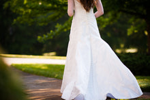 Load image into Gallery viewer, Birnbaum and Bullock 'Gretchen' size 6 used wedding dress back view on bride