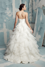 Load image into Gallery viewer, Paloma Blanca Style #4116 - Paloma Blanca - Nearly Newlywed Bridal Boutique - 2