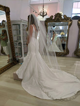 Load image into Gallery viewer, Maggie Sottero 'Ladelle' wedding dress size-06 SAMPLE