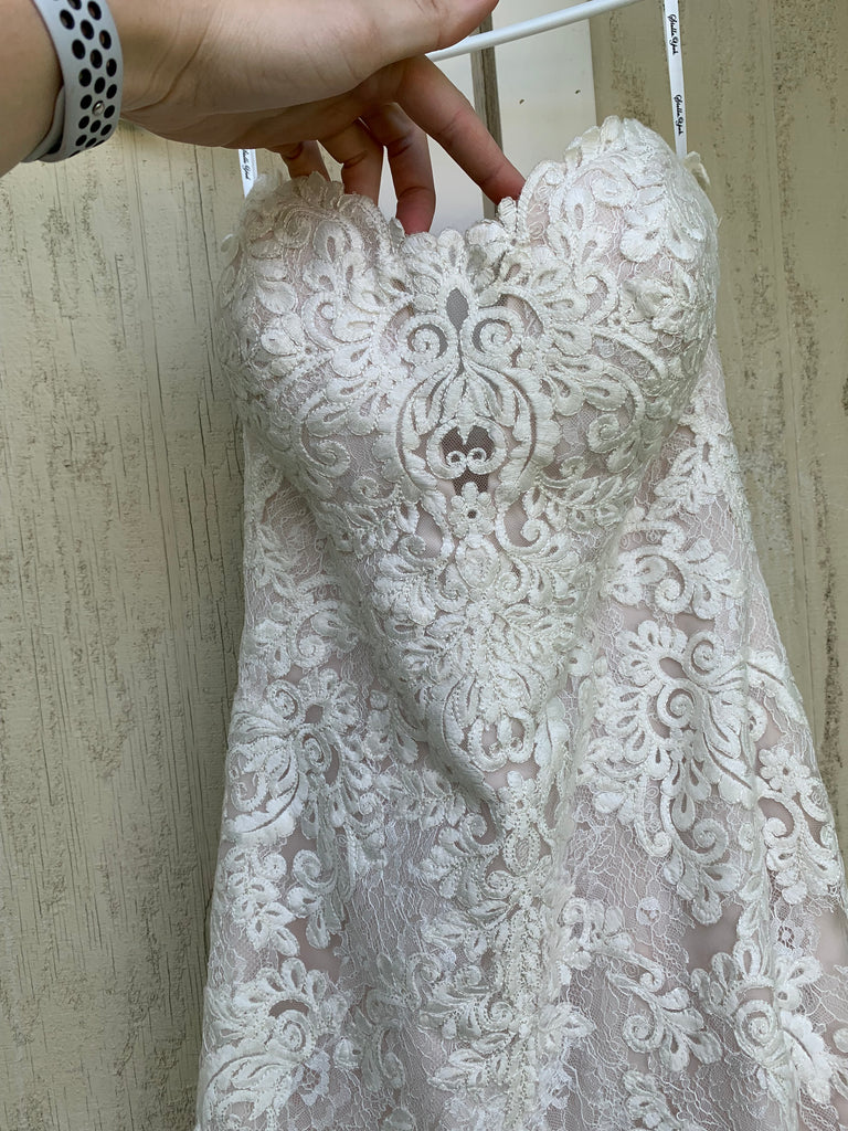 Essence Of Australia 'Moscato 6257' size 6 used wedding dress front view close up