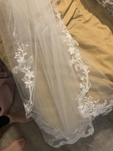 Load image into Gallery viewer, Maggie Sottero '24515 Courtney' wedding dress size-04 NEW