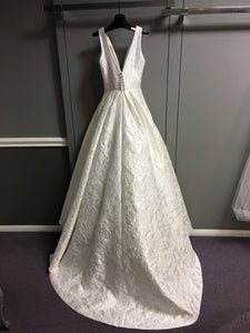 Suzanne Neville 'G44DALITS' size 6 new wedding dress back view on hanger