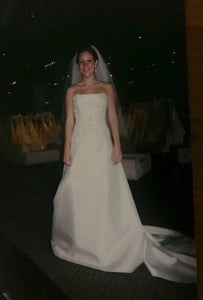 Rivini 'Lima' size 4 new wedding dress front view on bride