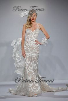 Pnina tornai butterfly size 2 sample wedding dress nearly newlywed pnina tornai butterfly size 2 sample wedding dress front view junglespirit Gallery