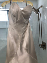 Load image into Gallery viewer, Matthew Christopher 'Vivian' size 8 new wedding dress front view close up