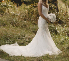 Mori Lee '2823' size 6 used wedding dress side view on bride