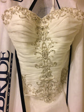 Load image into Gallery viewer, Justin Alexander '8486' size 8 new wedding dress front view close up