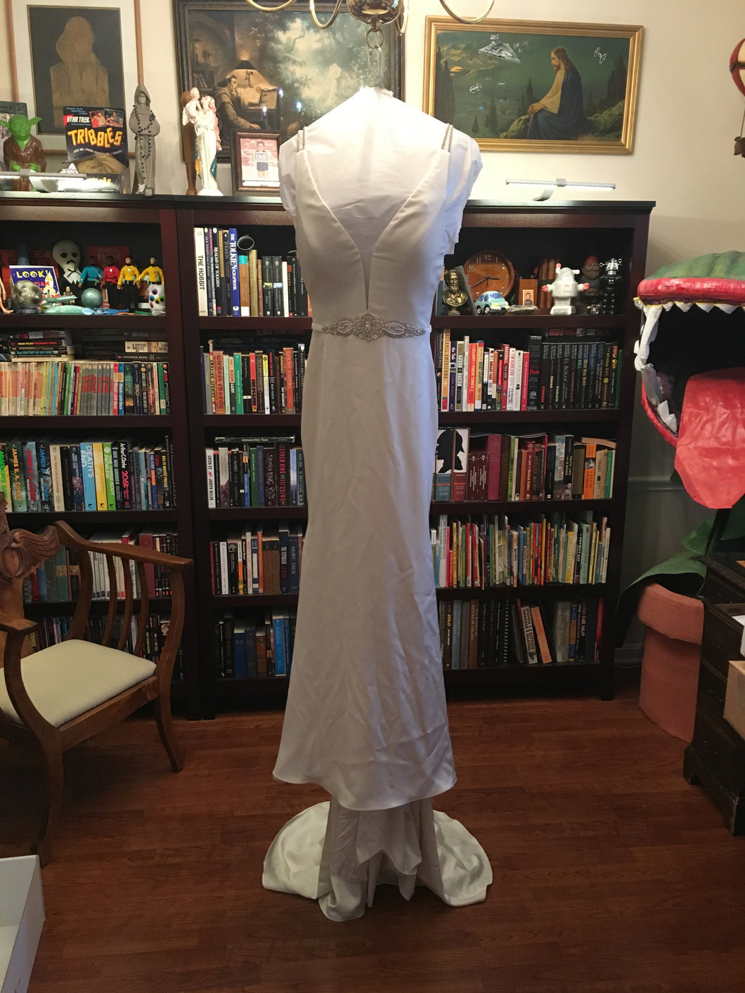 Paloma Blanca 'Paloma Satin' size 6 used wedding dress front view on hanger