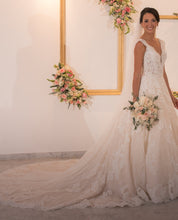 Load image into Gallery viewer, Pronovias 'Devany' size 6 used wedding dress front view on bride