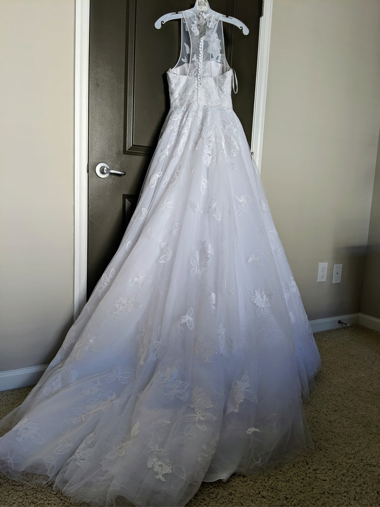 Vera Wang White 'Illusion Floral' size 4 new wedding dress back view on hanger