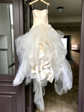 Load image into Gallery viewer, Vera Wang 'Ophelia' size 8 new wedding dress front view on hanger