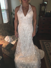 Moonlight '6544' size 10 new wedding dress front view on bride