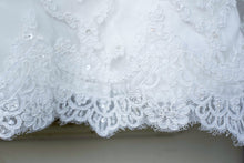 Load image into Gallery viewer, Casablanca '2072' - Casablanca - Nearly Newlywed Bridal Boutique - 2