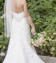 Load image into Gallery viewer, Casablanca '2072' - Casablanca - Nearly Newlywed Bridal Boutique - 7