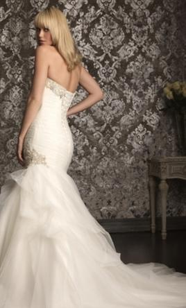 Allure '9002' size 12 new wedding dress back view on model