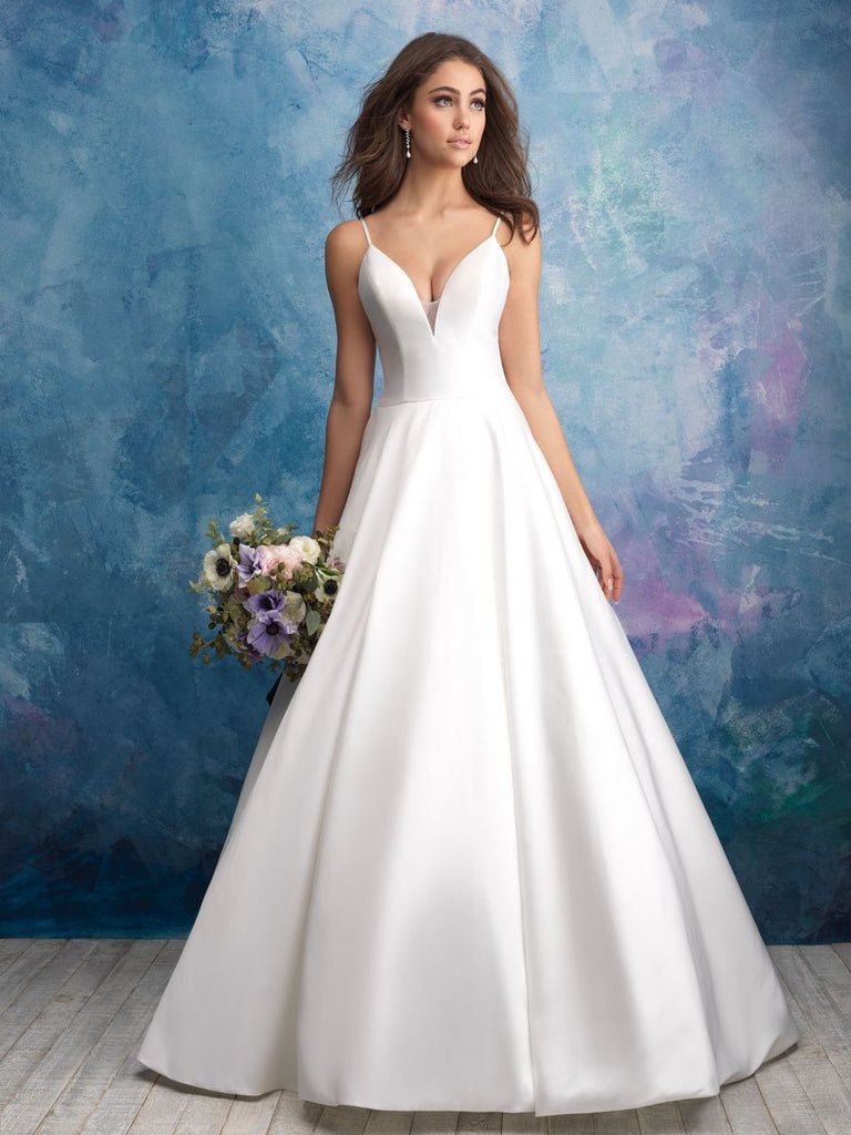 Allure Bridals '9570' size 2 used wedding dress front view on model