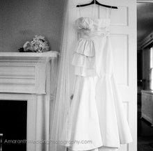 Load image into Gallery viewer, Oscar de la Renta '92N42' - Oscar de la Renta - Nearly Newlywed Bridal Boutique - 2