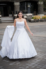 Demetrios 'Illissa' size 8 used wedding dress front view on bride