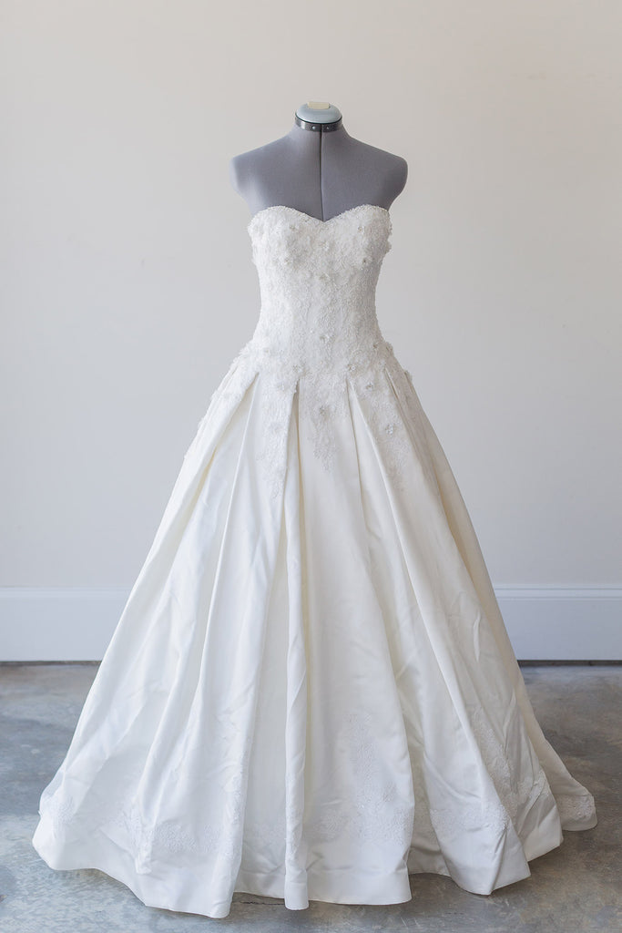 Dennis Basso 'For Kleinfeld' - Dennis Basso - Nearly Newlywed Bridal Boutique - 3