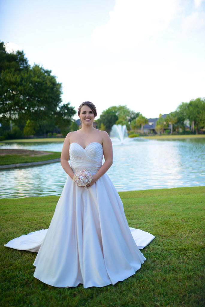 Allure Bridals '9065' size 10 used wedding dress front view on bride
