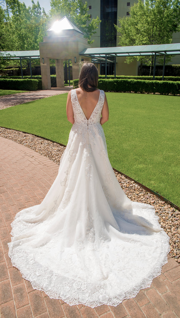 Maggie Sottero 'Alba' size 4 new wedding dress back view on bride