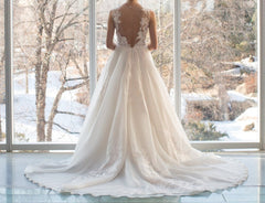 Alyne 'Berni' size 4 used wedding dress back view on bride