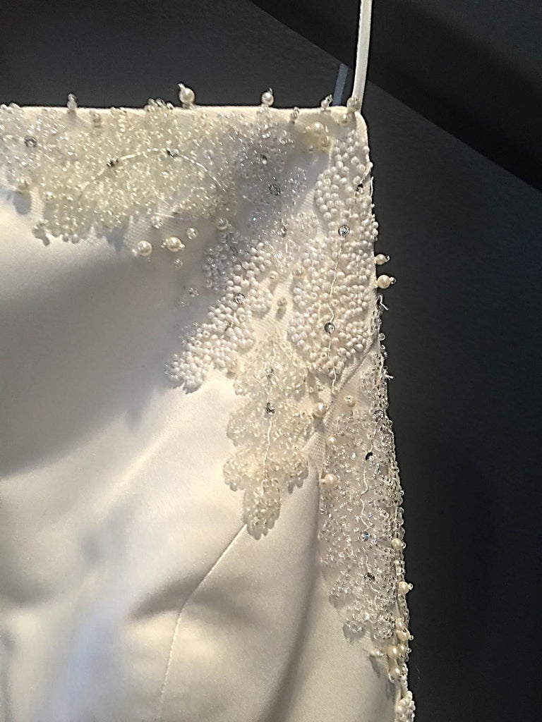 Vera Wang 'Custom Beaded' size 8 used wedding dress front view close up