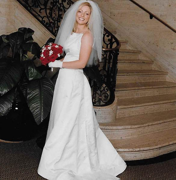 Vera Wang 'Custom Beaded' size 8 used wedding dress side view on bride