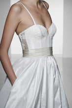 Load image into Gallery viewer, Amsale 'Cameron' - Amsale - Nearly Newlywed Bridal Boutique - 2