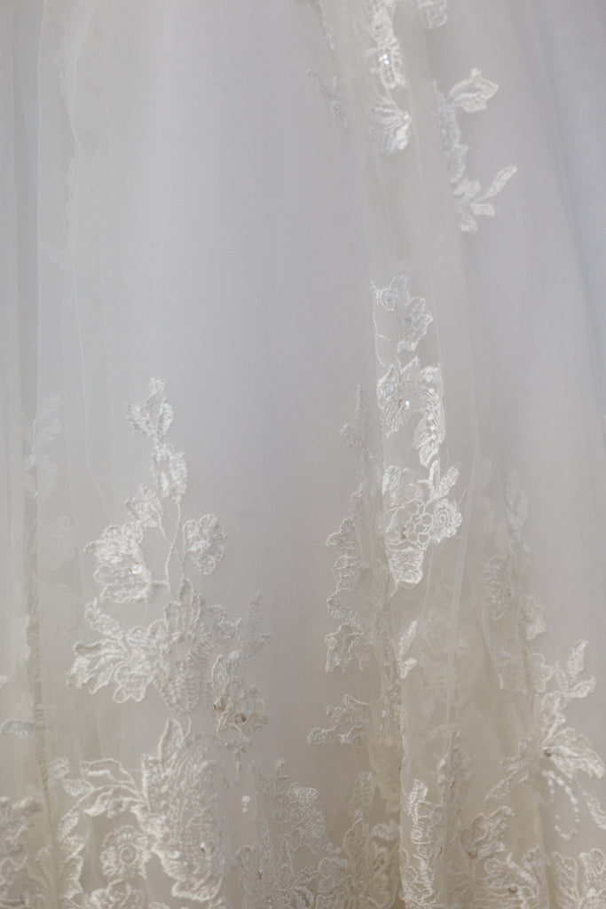 Maggie Sottero 'Marianne' size 6 used wedding dress view of fabric