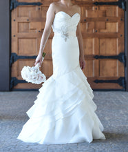 Load image into Gallery viewer, Alvina Valenta '9300/9319' - Alvina Valenta - Nearly Newlywed Bridal Boutique - 2