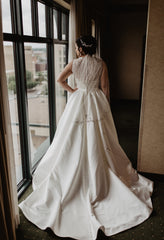 Allure Bridals '9152' size 12 used wedding dress back view on bride
