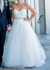 Kelly Faetanini 'Ula' size 0 used wedding dress front view on bride