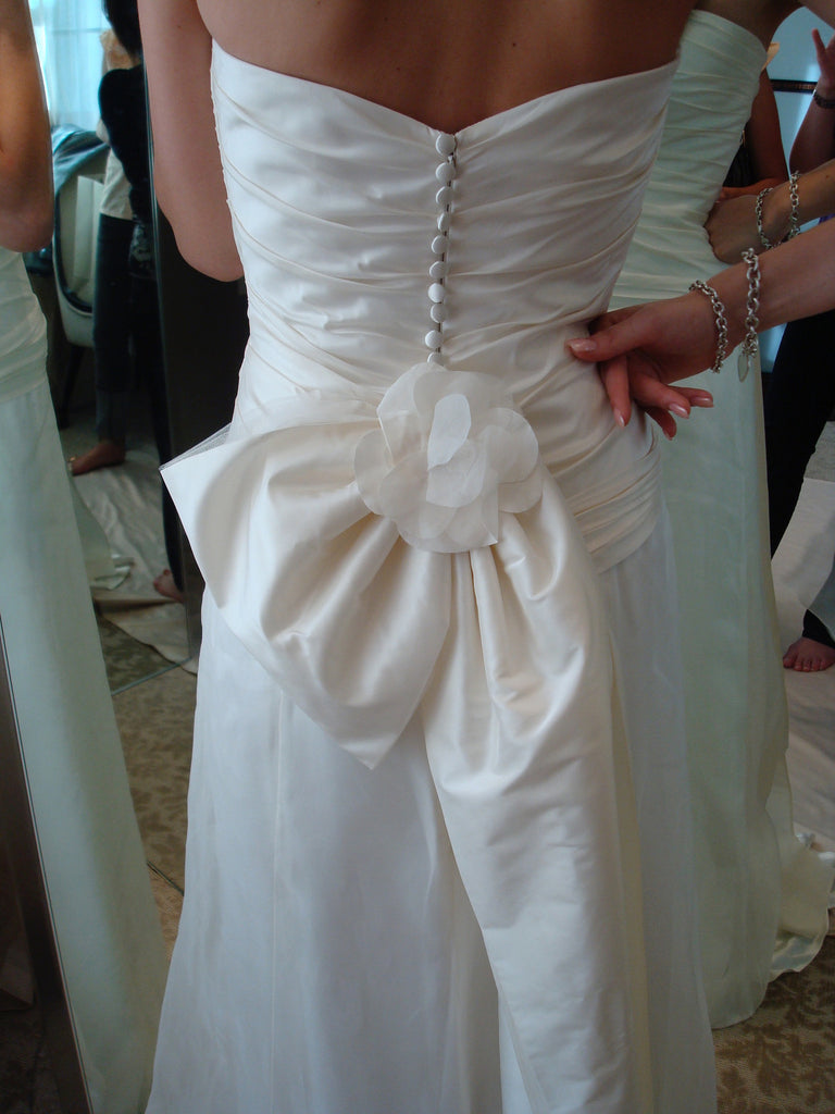 Jenny Lee 'Silk Taffeta' size 4 used wedding dress back view on bride