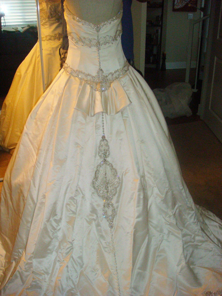 Kenneth Pool Majesty Ball Gown - Kenneth Pool - Nearly Newlywed Bridal Boutique - 4