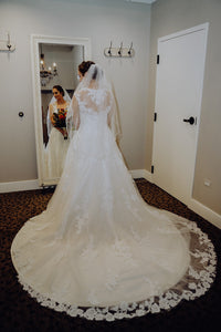 Casablanca '2289' size 6 used wedding dress back view on bride