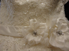 Load image into Gallery viewer, Maggie Sottero 'Virginia' - Maggie Sottero - Nearly Newlywed Bridal Boutique - 2
